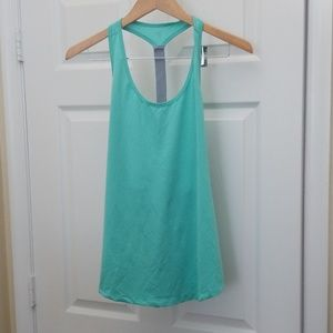 Old Navy Other - Old Navy active tanks